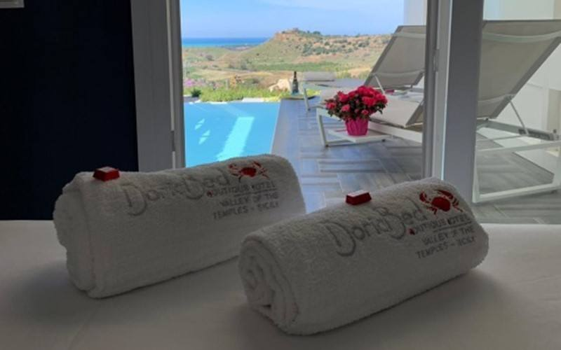 Fuga d'Amore – Deluxe Doric Bed Boutique Hotel